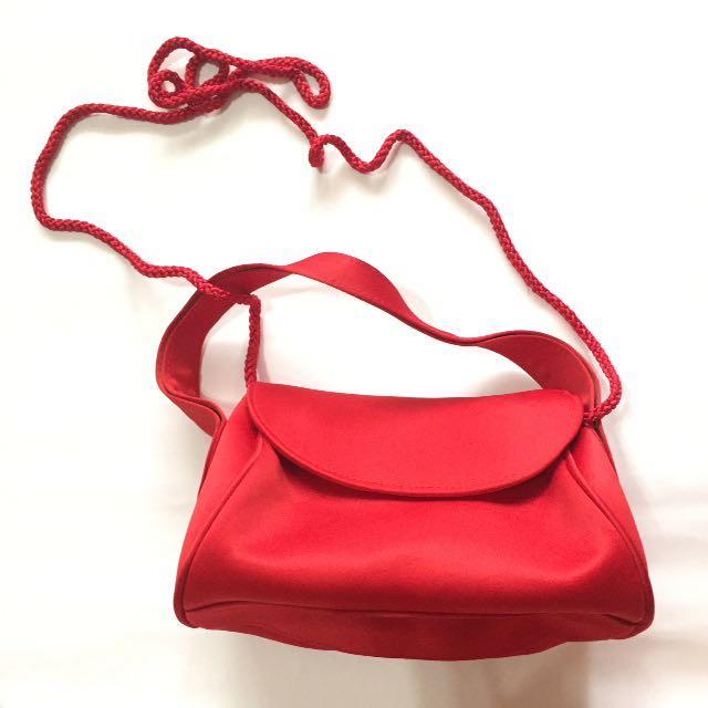 La Regale Reg Sling Bag