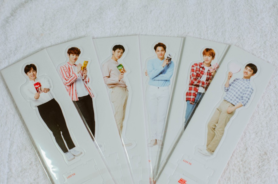 LIMITED EDITION MINI-STANDEE EXO x LOTTE P150 each