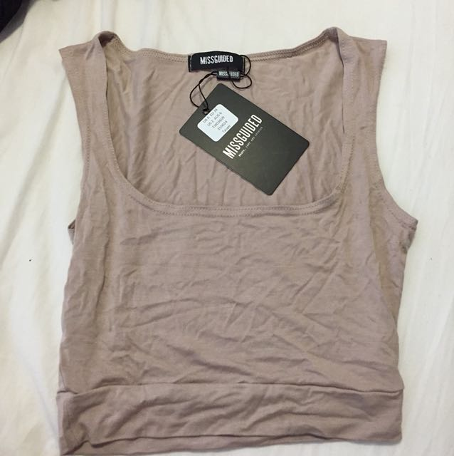 MISSGUIDED SQUARE NECK TAUPE CROP TOP