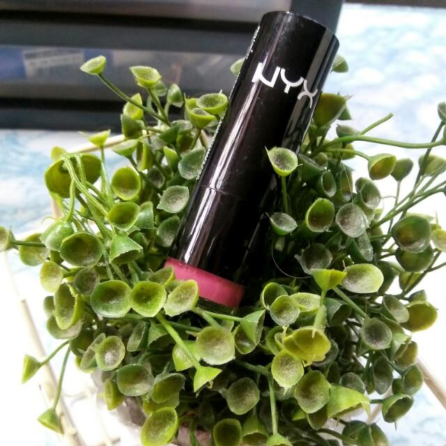 Nyx Lipstick (Paris)