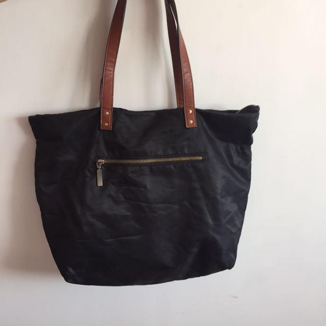 Old Navy black handbag