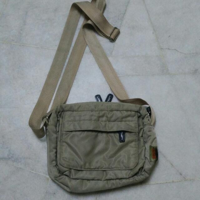 406ff176b45624 ORIGINAL HIROKO KOSHINO SLING BAG, Men's Fashion, Bags & Wallets, Sling Bags  on Carousell