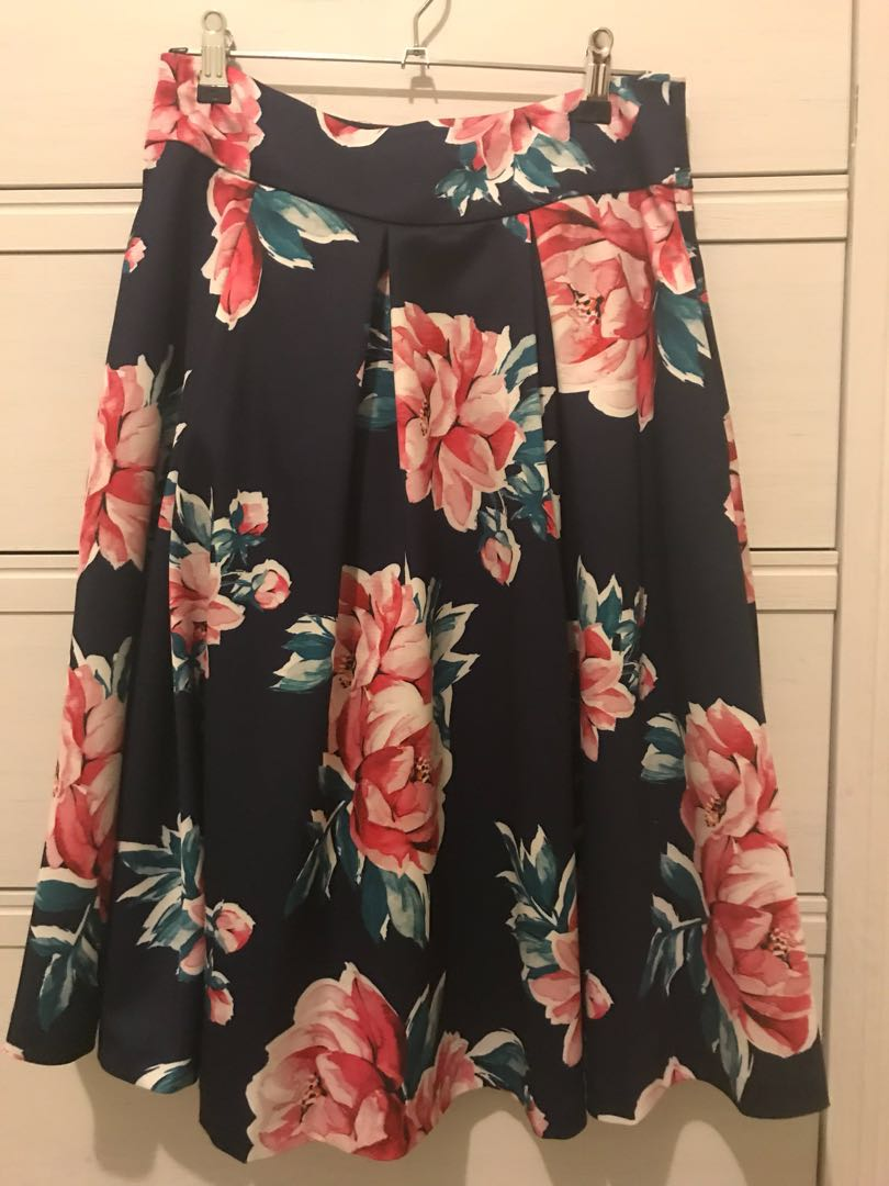 Review floral skirt size 8