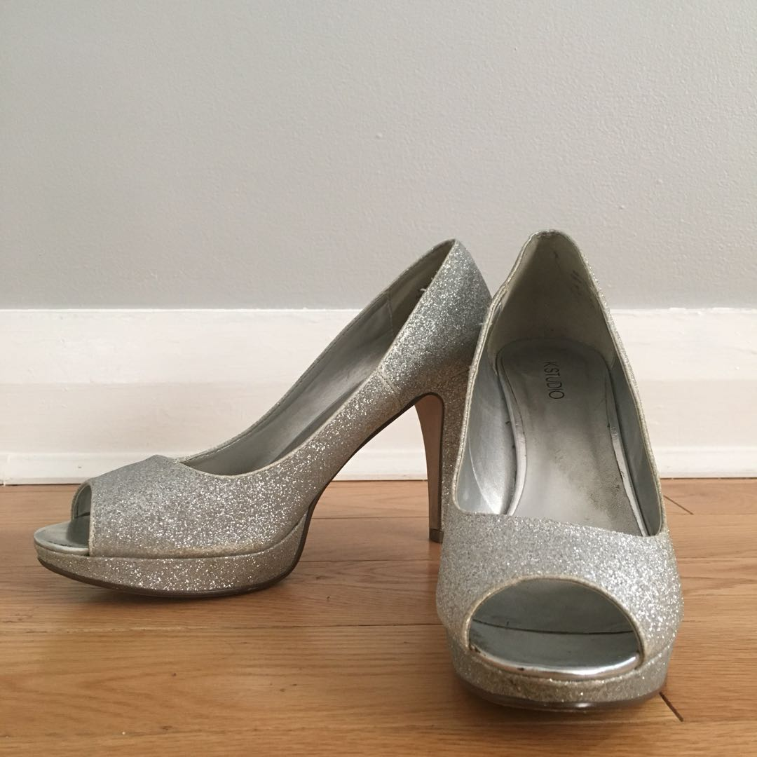 Silver Gitter High Heels with peep toe