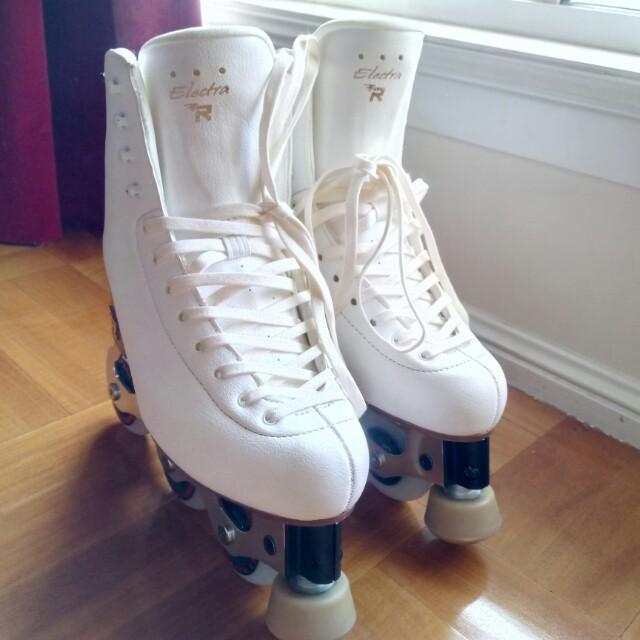 Snow white skates + Risport boots