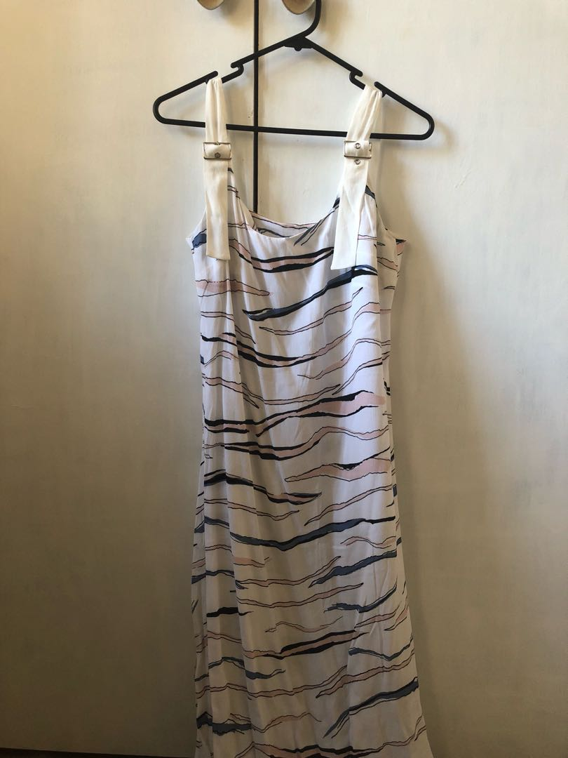 Staple the Label maxi dress in sz 8!