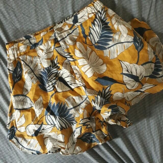 Tropical Highwaist Shorts