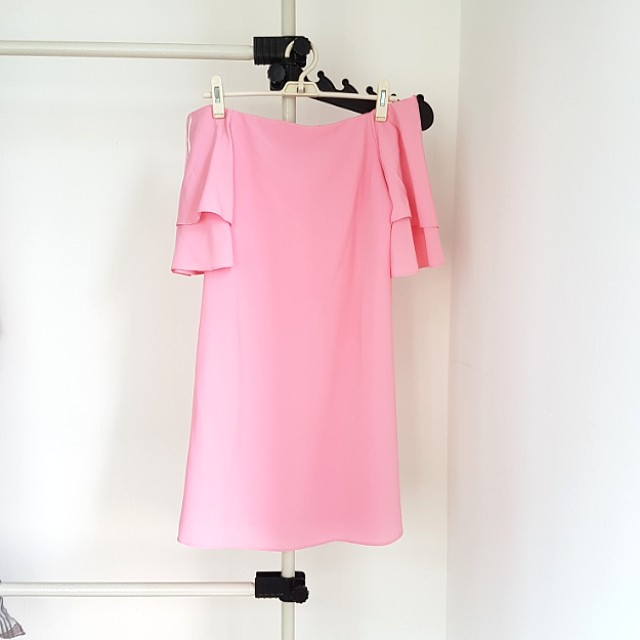 43ced67c Zara Pink Off Shoulder Dress, Women's Fashion, Clothes, Dresses & Skirts on  Carousell