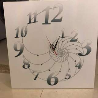Clock - wall mount or stand 50cm x 50cm