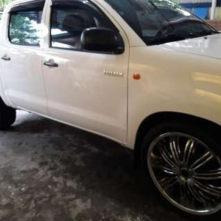 REPRICED White Toyota Hilux J 2013 4x2 RUSH SALE for only 600k