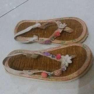 Sandal Ethnic