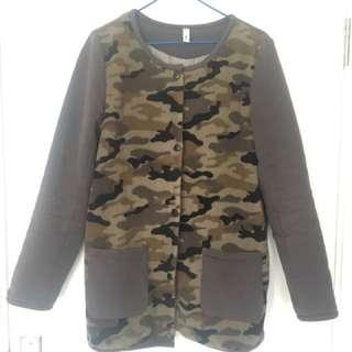 Japan 🇯🇵軍綠外套...超輕