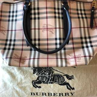 搬屋最後一口價burberry bag可手靚上膊容量大好裝野