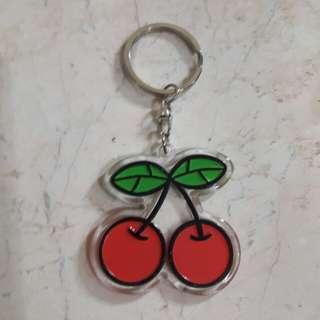 Gantungan kunci akrilik Cherry