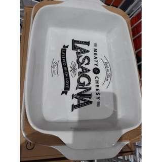 BAKED AND SERVED LASAGNA PAN