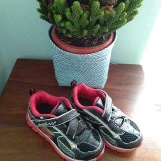 Sepatu Anak Mac Queen