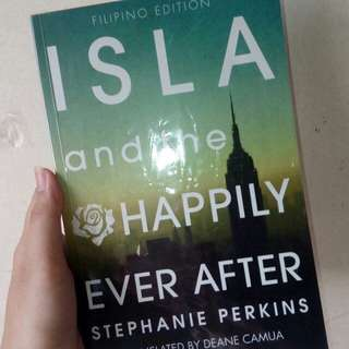 (RUSH!!) FILIPINO EDITION Isla and the Happily Ever After