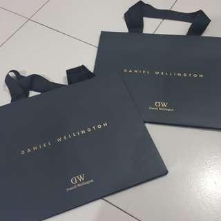 DW paper bag