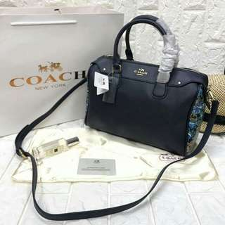 Doctor bag with sling  Leather... Size : H7.5*W11*D5.5 inches  Free dust bag & paper bag