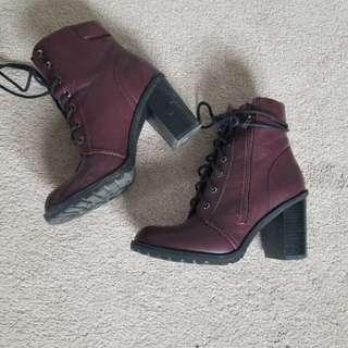 Burgundy combat boots sz. 6.5/7