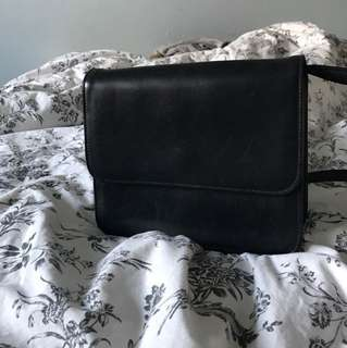 PRICE DROP Aritzia babaton crossbody bag