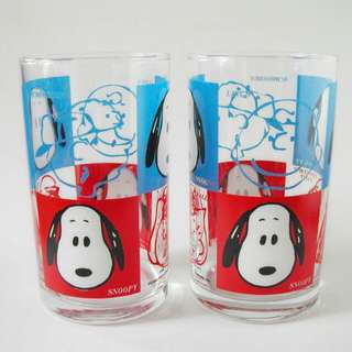 snoopy玻璃杯兩隻。