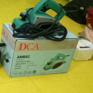Mesin serut kayu merk DCA tipe AMB 82