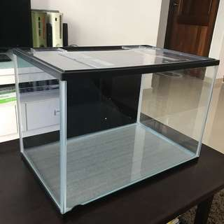 Fish Tank with Cover