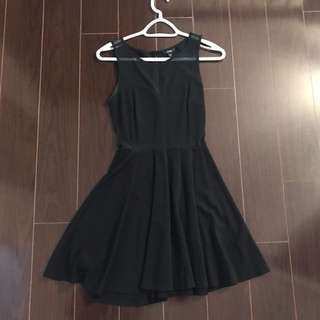 Black Dress - GUESS!! Size Small