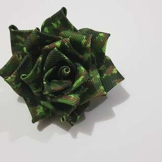 Handemade roses brooches.. camo roses size M