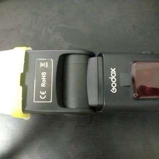 Godox  tt680 TTL 99% like new