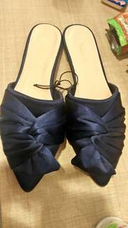 Vincci blue bow sateen