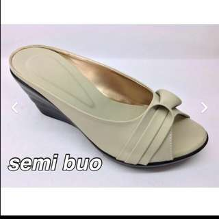 Ladies shoes slippers sandals