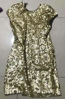 Gold sequined 👗