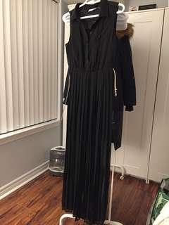 Calvin Klein pleated maxi dress - size 6