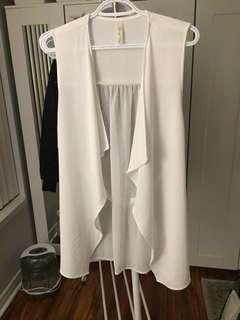 White flowy vest - size M