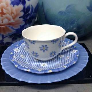 ELLE PARIS cup and saucer