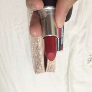 MAC  Snowball Lip Bag in Red
