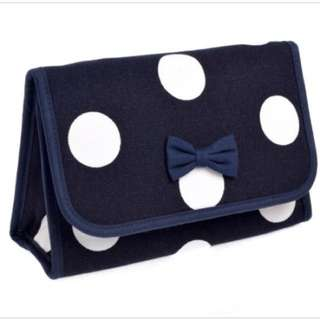 BN cosmetic pouch with mirror