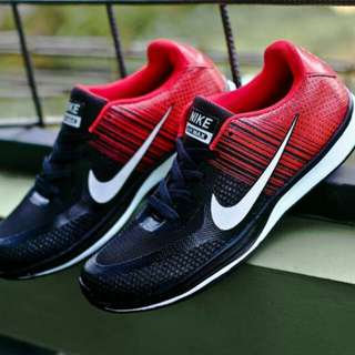 Sepatu Olar Raga Nike Flyknite Men