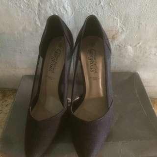 Sale! Heels hitam murah
