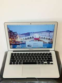 [Mint] Apple Macbook Air (early-2015; 256gb flash)