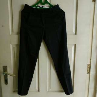 H&M black pants with front pockets