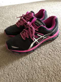 Asics runners pink and black