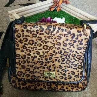 Authentic Fossil Memoir Small Flap Shoulder Bag Crossbody (Cheetah)