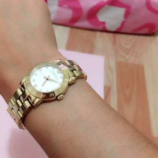 Bought in japan authentic Marc jacobs watch ilang beses p lng po nagamit rfs- need cash