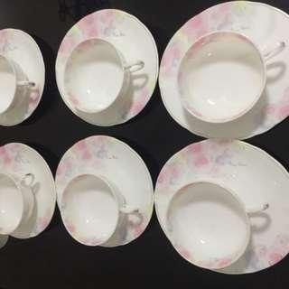 Nina Ricci cups and saucers set