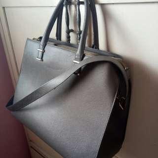 H&M hand/sling bag