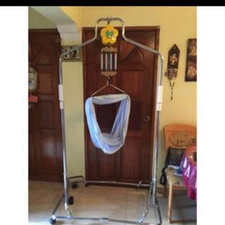LIKE BRAND NEW!!! Stainless Steel Baby Electronic Swing, Cradle,