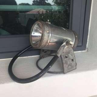 Vintage portable lamp / light